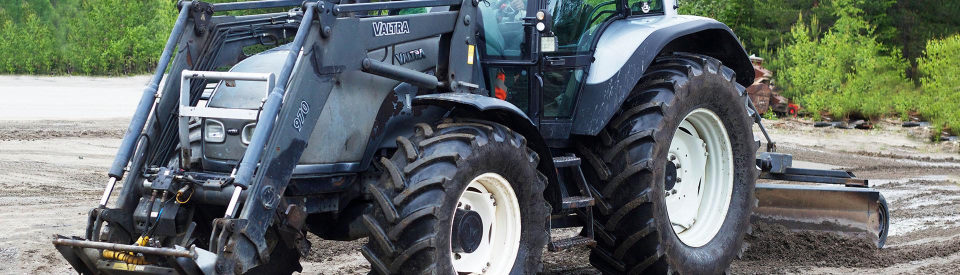 Traktoriurakointi